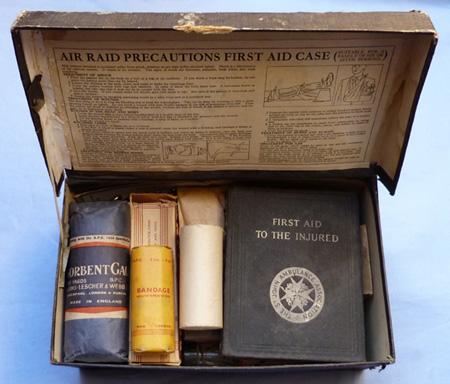 ww2-arp-first-aid-box-1