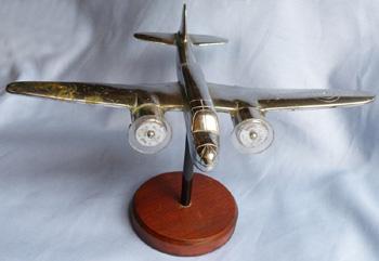 ww2-british-nickel-bomber-statue-3