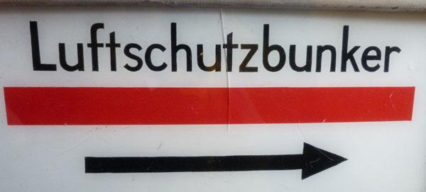 ww2-german-air-raid-bumker-sign-3