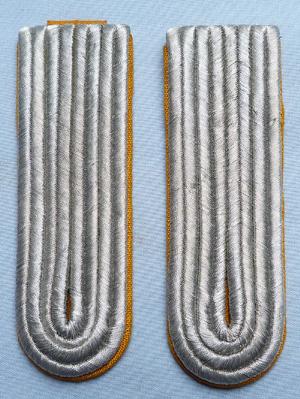 ww2-german-officer-shoulder-boards-1