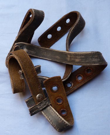 ww2-german-paratroop-helmet-straps-1