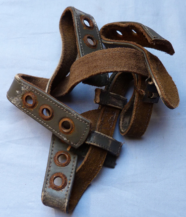 ww2-german-paratroop-helmet-straps-2