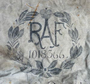 ww2-raf-kit-bag-2